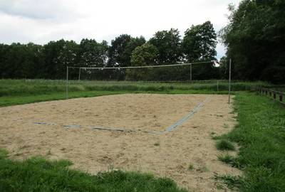 Volleyballfeld am Menkiner See, Foto: Hoppe
